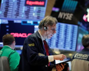 Dow Teeters as White House Teases Trump Trade Deal