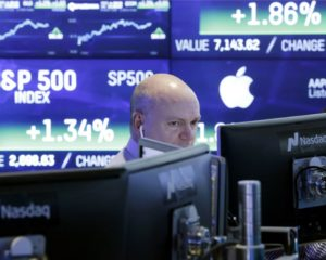 Dow Feasts on Apple Rally, But Tariff Delay Won't Fix Trump's Trade War
