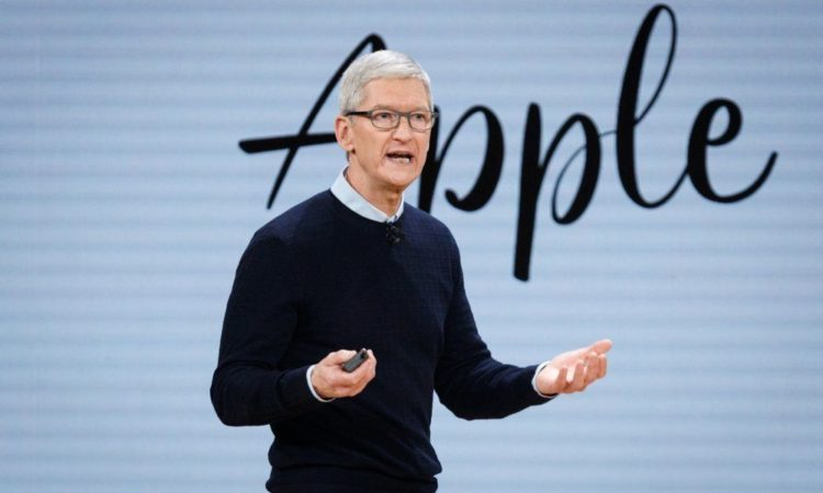 Apple Sucking Up to Customers in Desperate Attempt to Save the iPhone