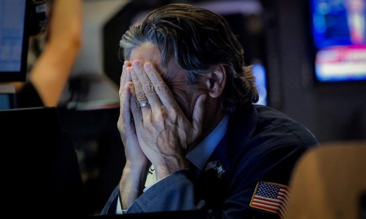 Dow Plunges as Trump Lashes Out at Alarming Economic Data-CCN.com