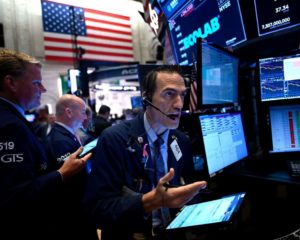Dow Stalls as Trump Threatens to Unleash New Phase of Global Trade War