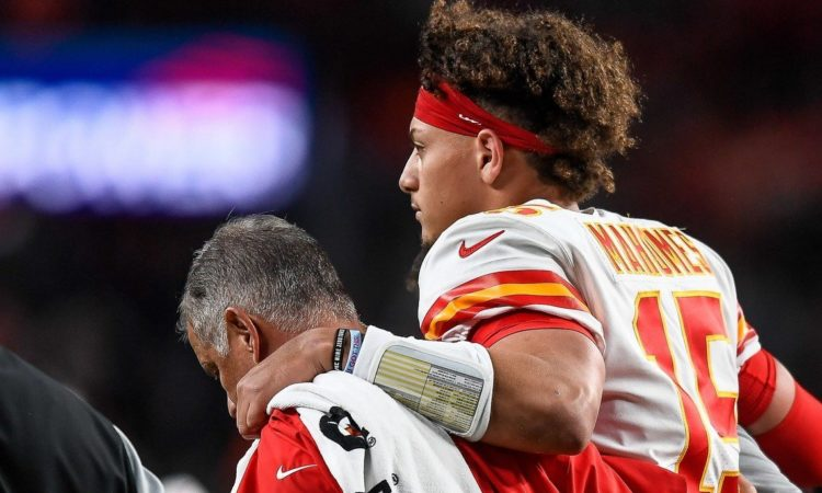 Patrick Mahomes Injury Proves Twitter Will Crack Jokes About Anything