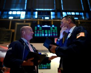 Treasury Yields Post Biggest Rally in Three Years as Red-Hot Dow Blazes New Record