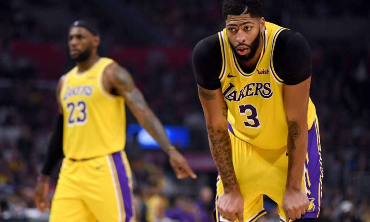 Anthony Davis' Mounting Injuries Threaten Lakers' Title Hopes