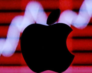 These 4 Key Catalysts Pushed Apple's (AAPL) Stock to Record Highs