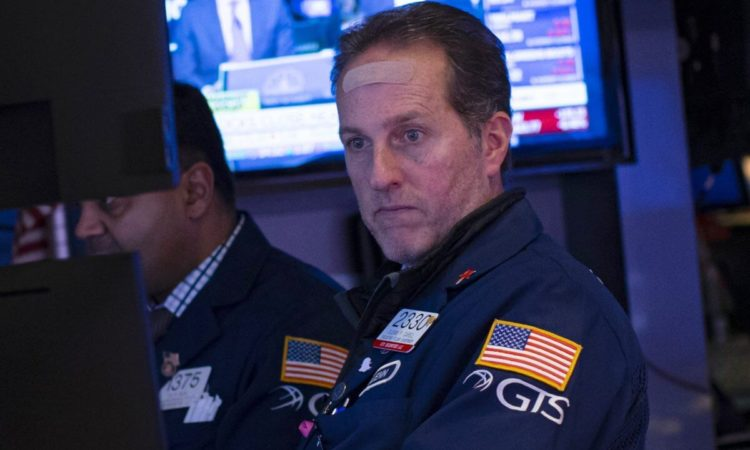 Dow Futures Stuck in Neutral After China Fails to Extend Low-Rate Stimulus