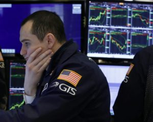 U.S. Treasury Yields are Plunging; Is It Time to Be Worried?