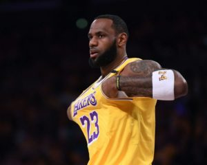 Lakers Trade Deadline Debacle Leaves LA With 1 Final Option