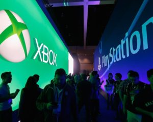 Sony, Xbox Chiefs Show PS5 and Series X Fanboys How to Behave