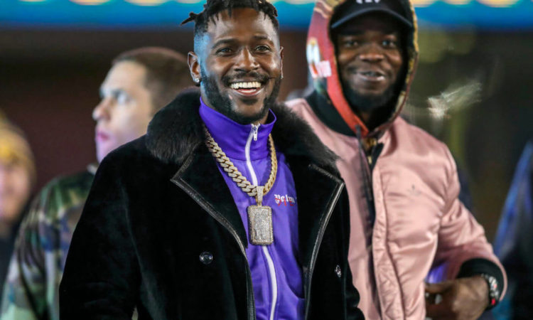 Signing Antonio Brown Is the Risk Every Single NFL Team Should Take